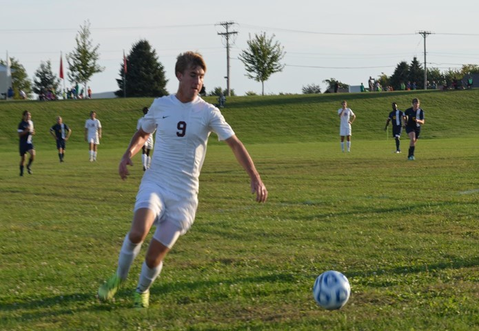 Bowen, Red Devils Roll Past Iowa Wesleyan
