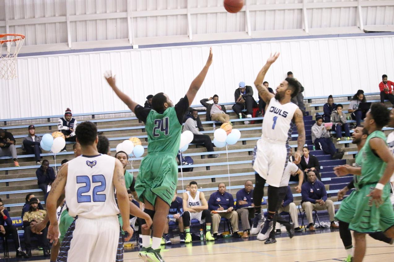 Owls Men Earn Top Spot in Region XX Tournament
