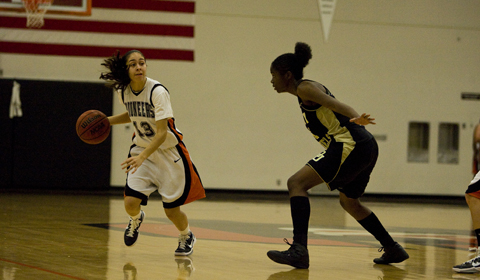 Strong First Half Leads #7 Women's Basketball Past Puget Sound 70-64