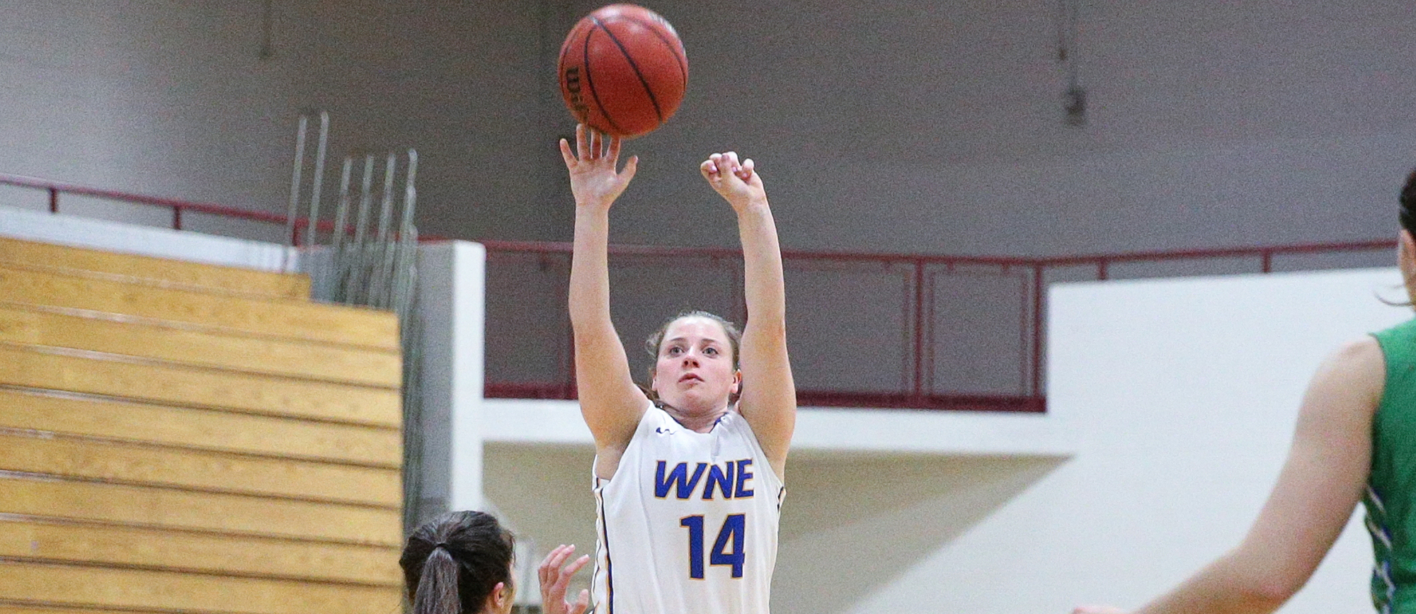 Senior guard Dorothy O'Neill scored a season-high 20 points in Western New England's 75-72 victory at Emerson on Saturday (photo by Chris Marion).