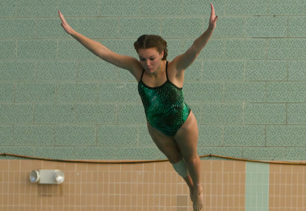 Swimming & Diving Falls to Rhode Island College; Bosse Sets Two School Records