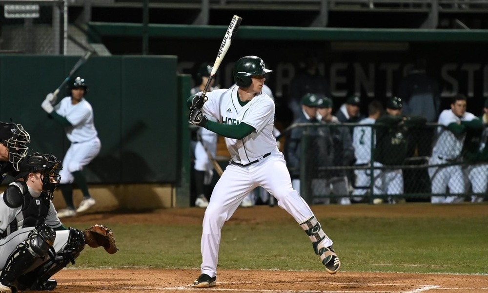 BASEBALL SPLITS FRIDAY DOUBLEHEADER AT SEATTLE U