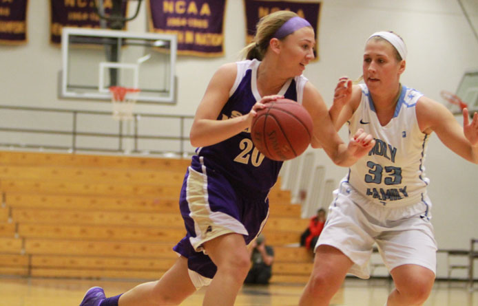 Women's basketball improves to 3-1 for first time since 2007-08, earns 63-58 victory