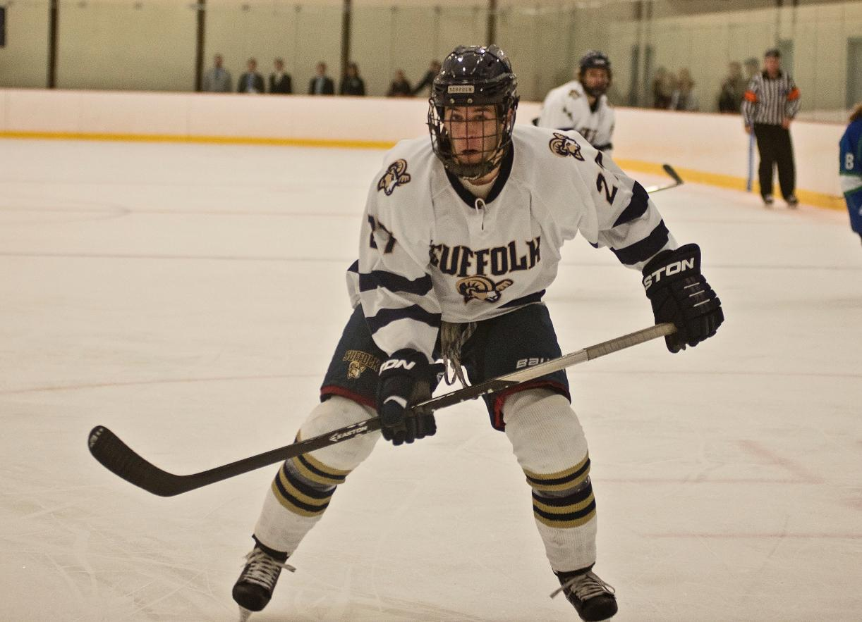 Hockey Scores Three Unanswered in Comeback Win at Salve Regina