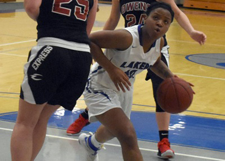 Lakeland women use big fourth quarter to top Genesee at Niagara County tournament, 84-67