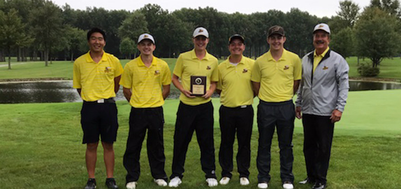 Ladaika Earns Medalist Honors, Men's Golf Wins Second Straight Invitational