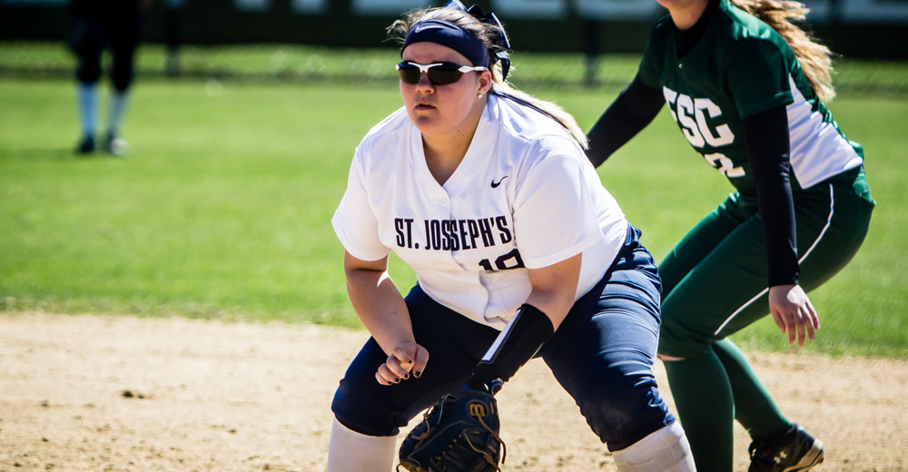 Softball Sweeps Old Westbury to Clinch Winning Campaign