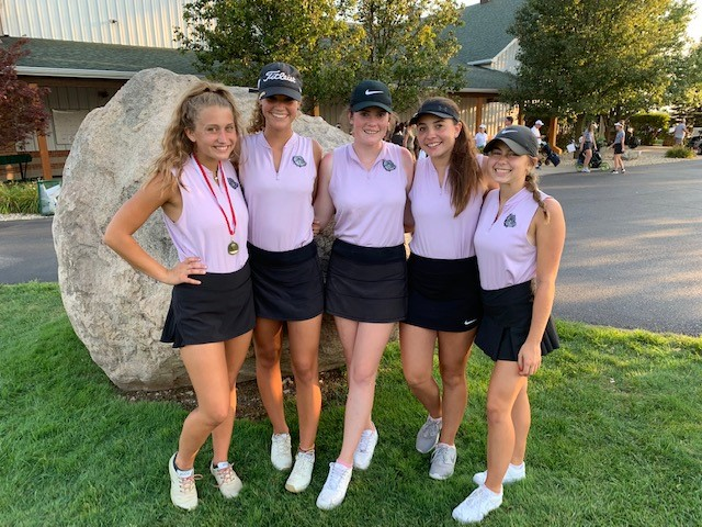 Varsity Girls' Golf Takes 3rd at Plainfield Invitational