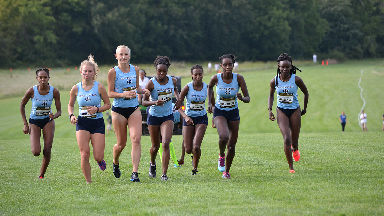 Tritons place 3rd at Hawkeye Invitational