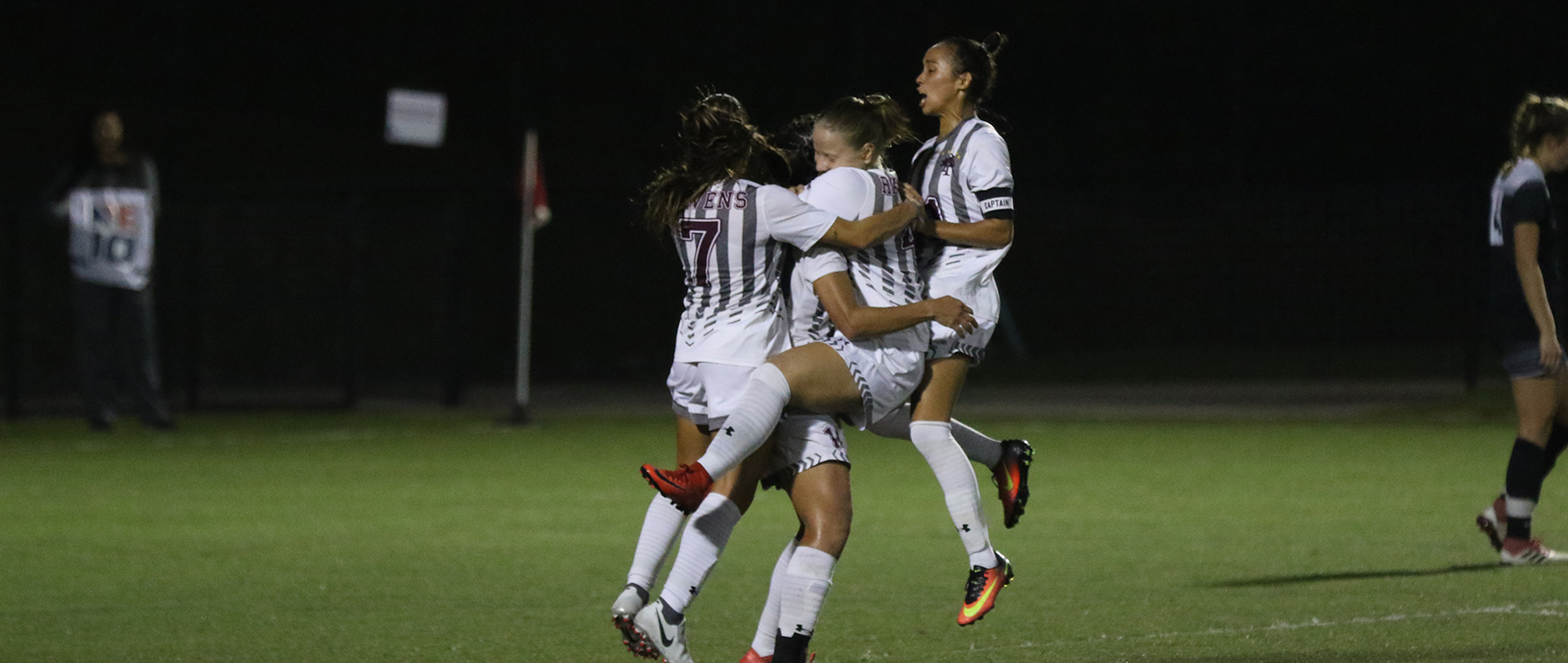 Furious Second Half Rallies No. 15 Women's Soccer to 2-2 (2 OT) Tie with Saint Rose