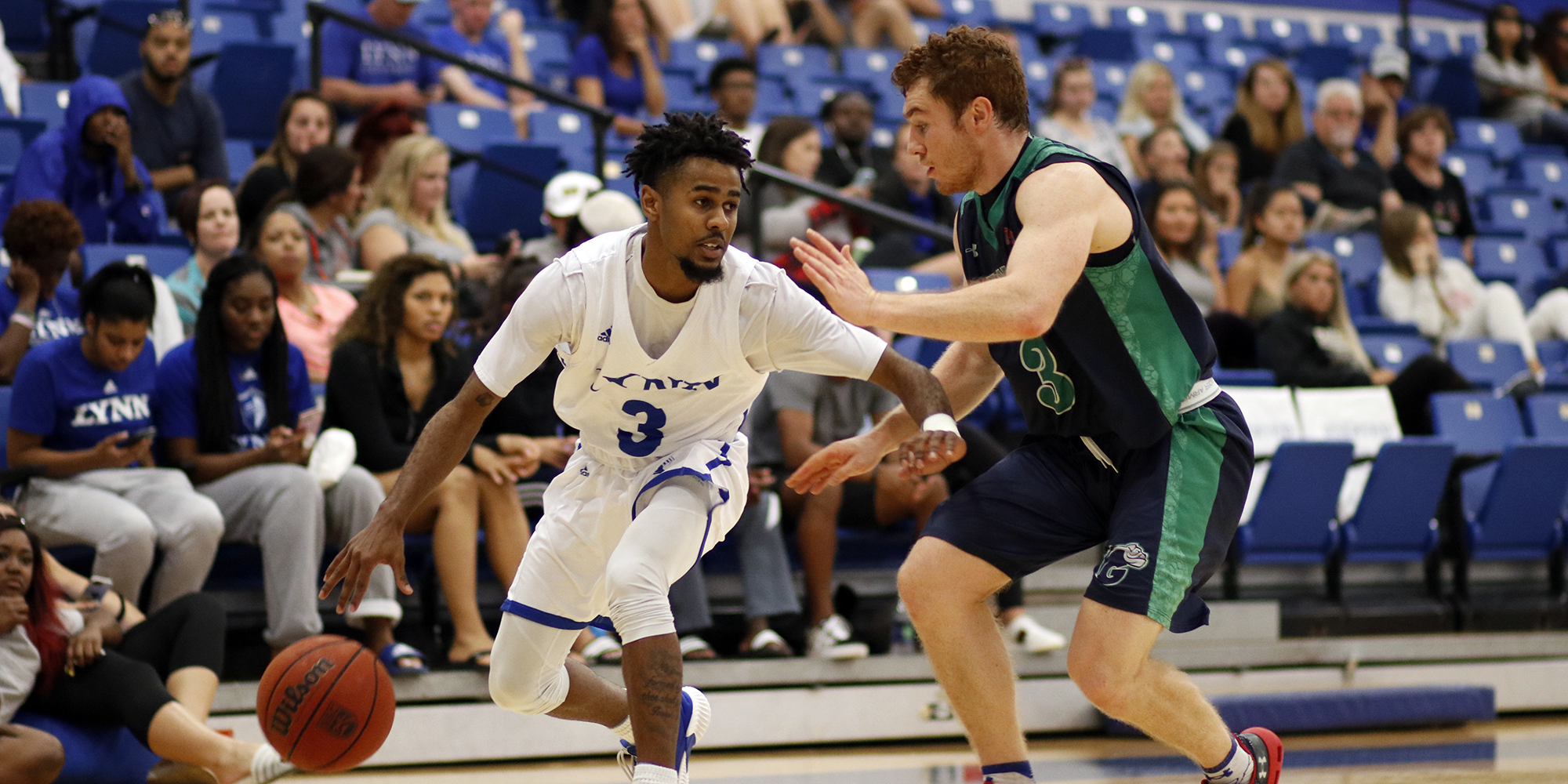 Men's Basketball Stays Perfect with Sunday Victory