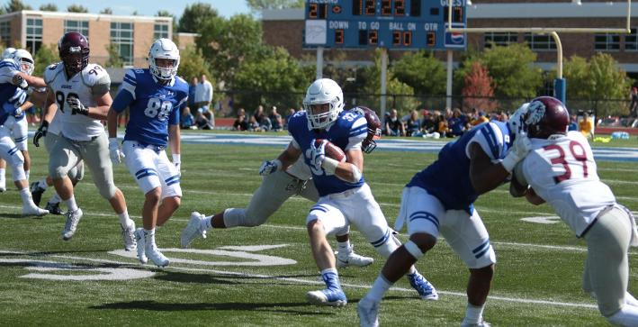 Football stops Augsburg, moves to 2-0