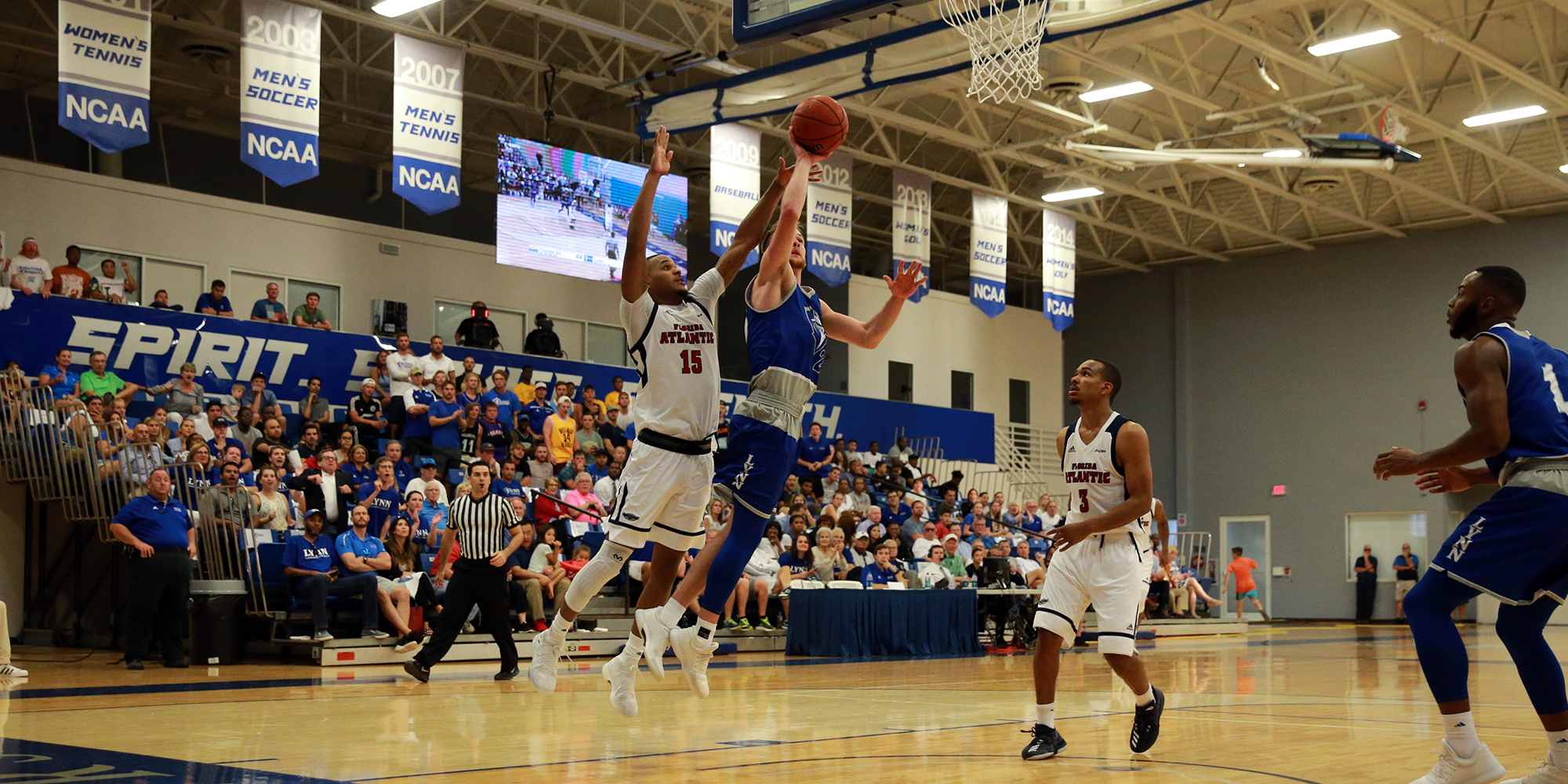 Men's Basketball Misses Late Opportunities in Loss to Miles