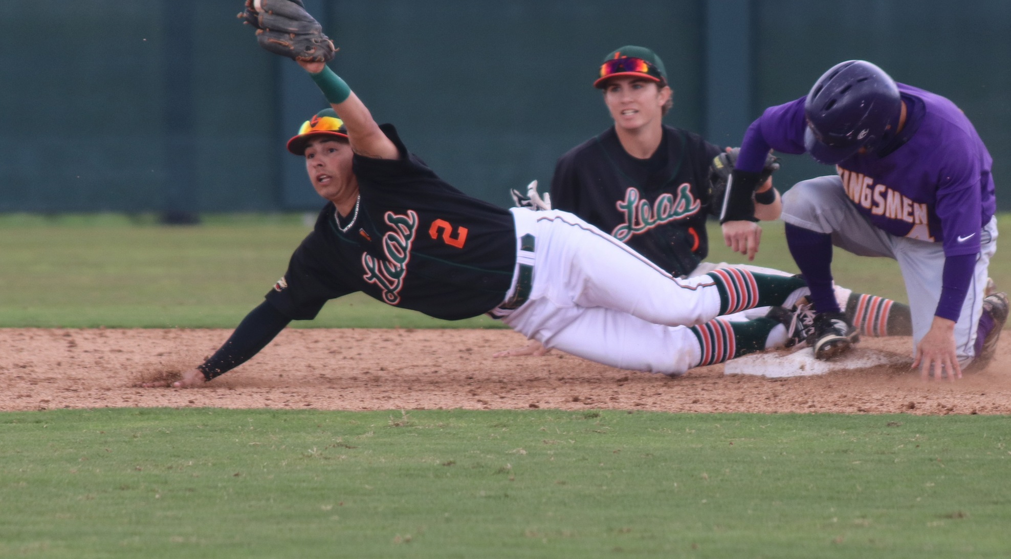 La Verne sweeps No. 22 Cal Lutheran
