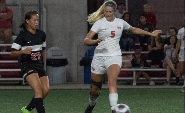 Women's Soccer Storms Past Marian into NACC Semifinals