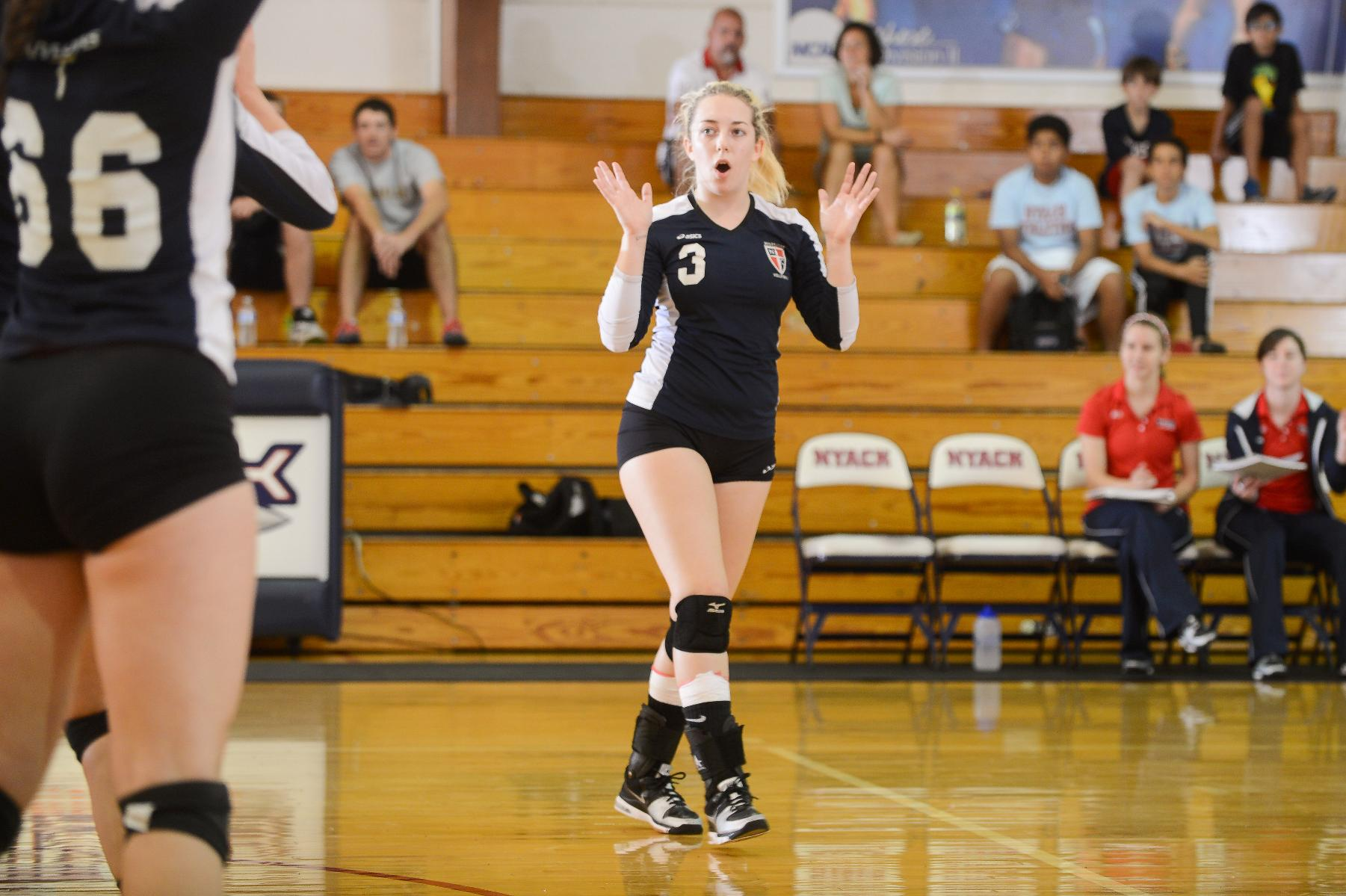 Women's Volleyball finishes the week with two W's