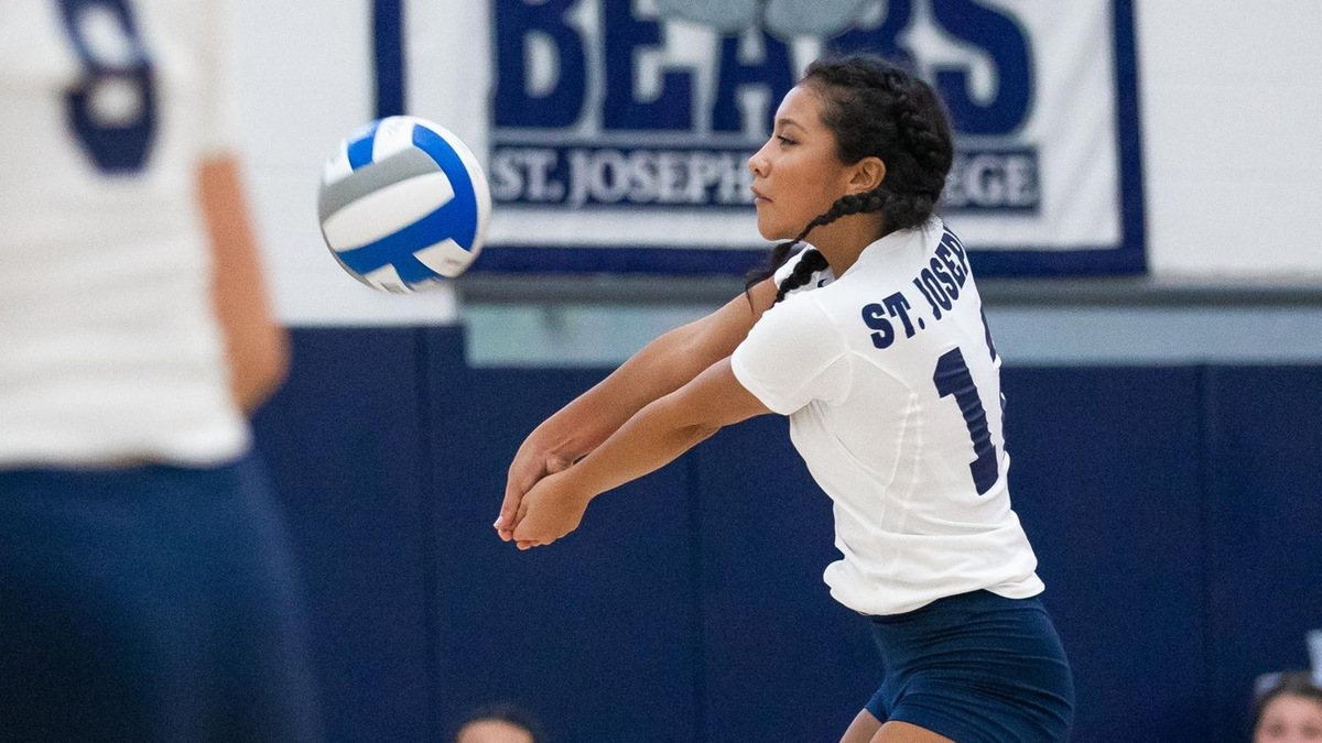 Women's Volleyball Stages Five-Set Comeback to Upend Old Westbury