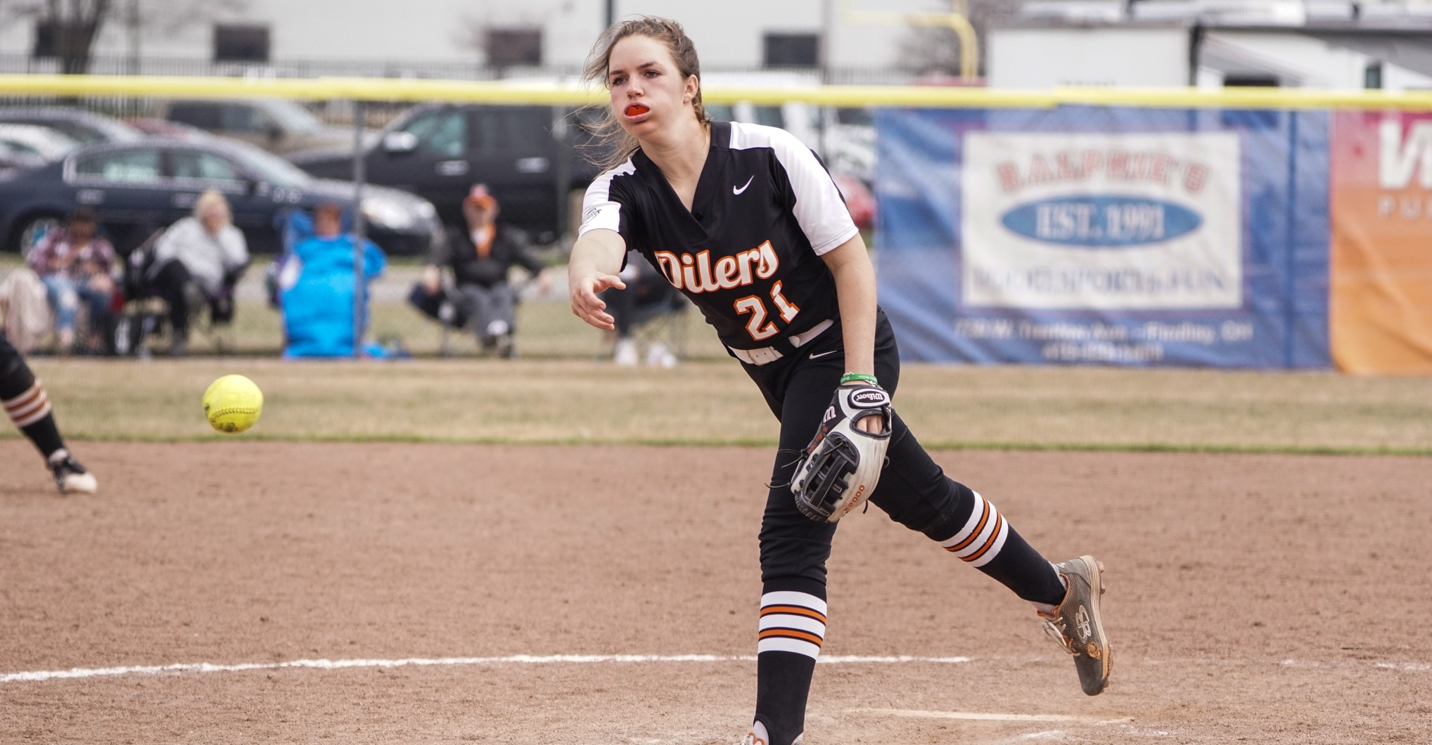 Oilers Softball Splits on Sunday
