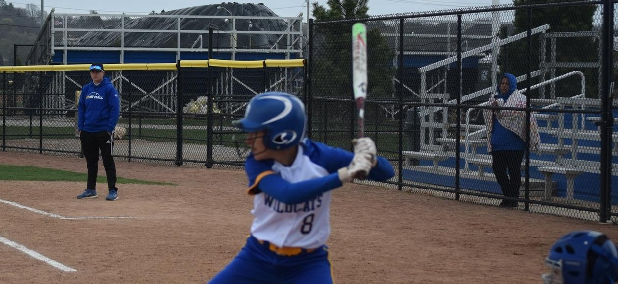 Softball Drops a Pair on Final Day of Spring Break Trip