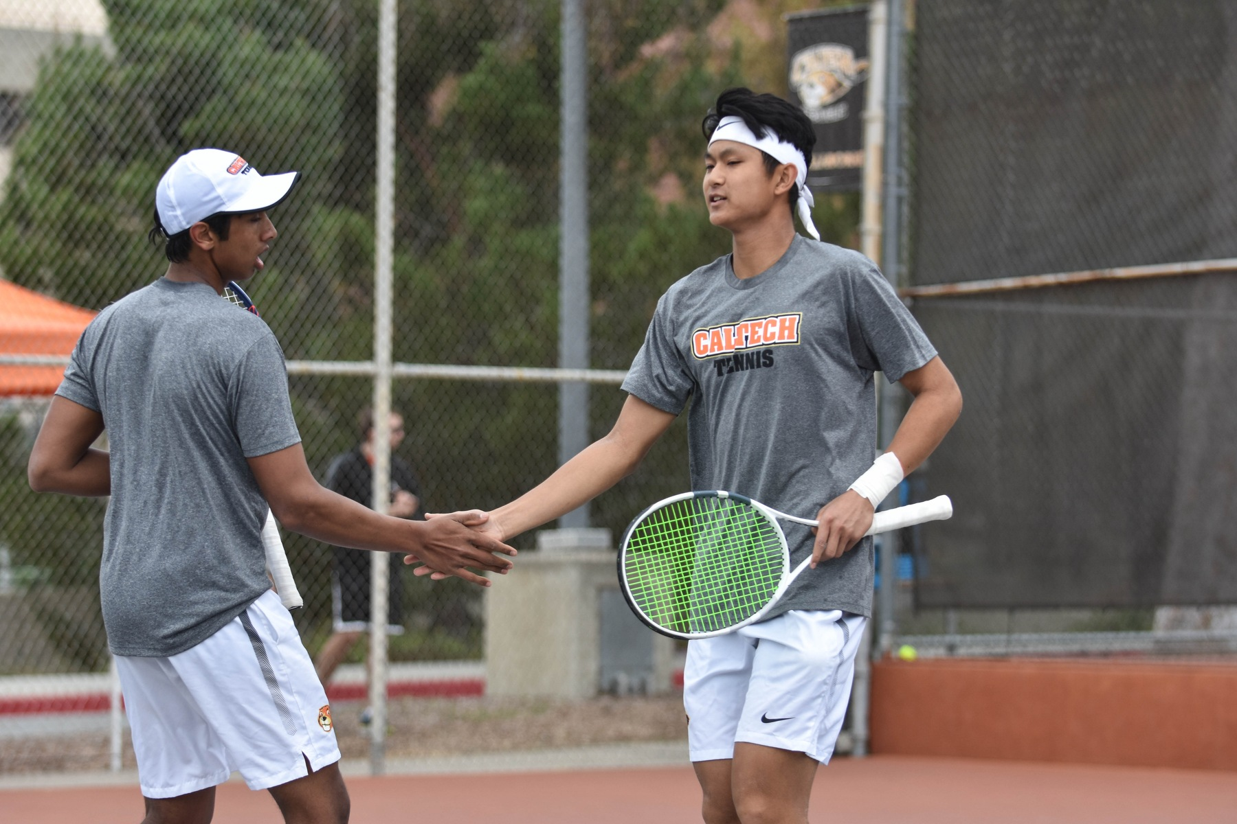 Men's Tennis Takes Top Doubles Match in SCIAC Semis