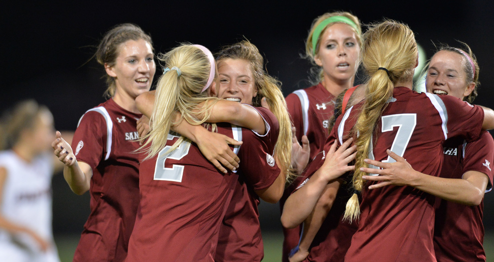 Women's Soccer Finishes No. 7 in Final Coaches Poll of 2013
