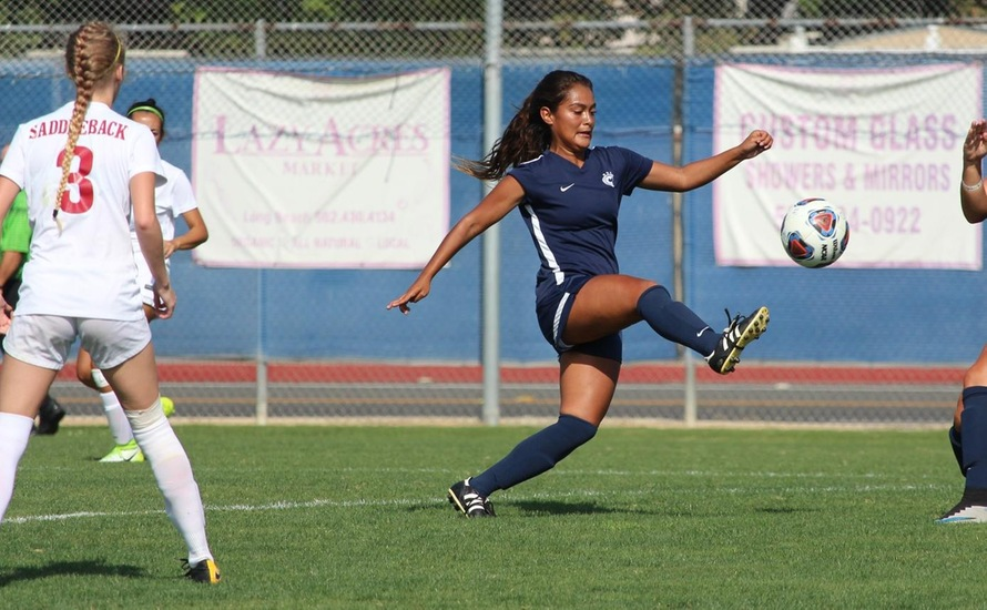 Women's Soccer Keeps it Rolling with 2-1 Victory Over Saddleback