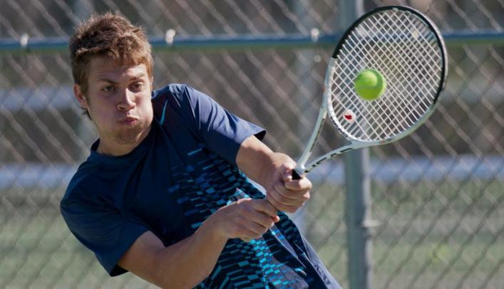 Men's Tennis Goes 1-1 Away From Home On the Weekend