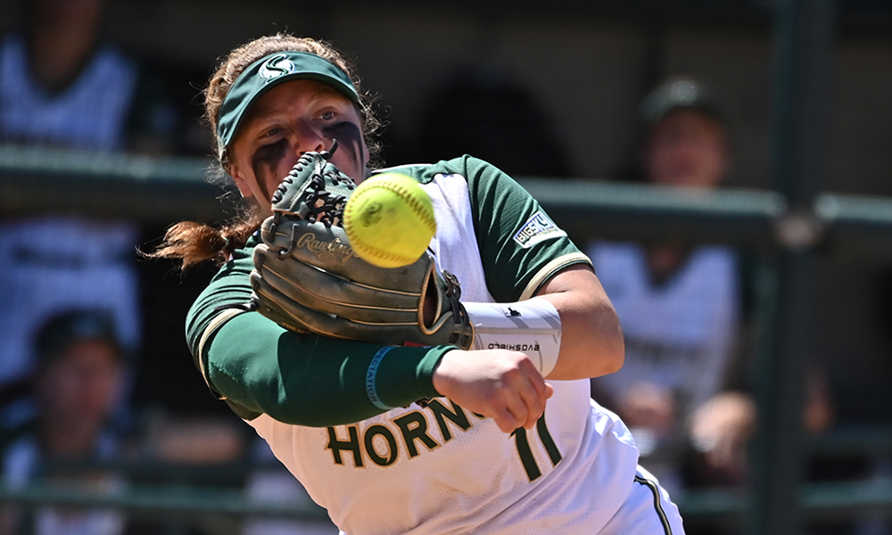 SOFTBALL DROPS A PAIR TO PORTLAND STATE