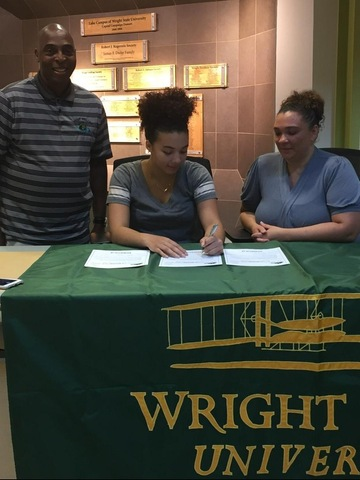 Women's Basketball Signs Forward from Fort Wayne