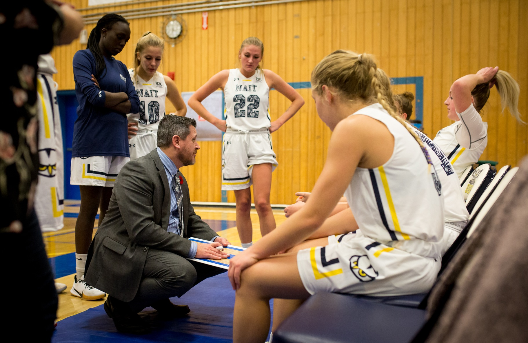 Ooks down first place Huskies in coach Todd Warnick's 200th ACAC win