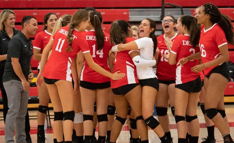 COD Women's Volleyball has back-and-forth game with Marauders, winning 3-2