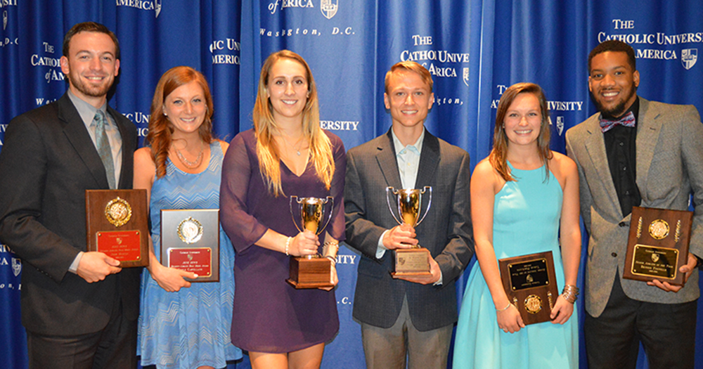 2016 Major Award Winners Announced at Annual Senior Banquet
