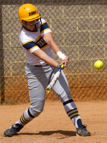 Emory & Henry Softball Sweeps Shenandoah Saturday On Senior Day In ODAC Finale