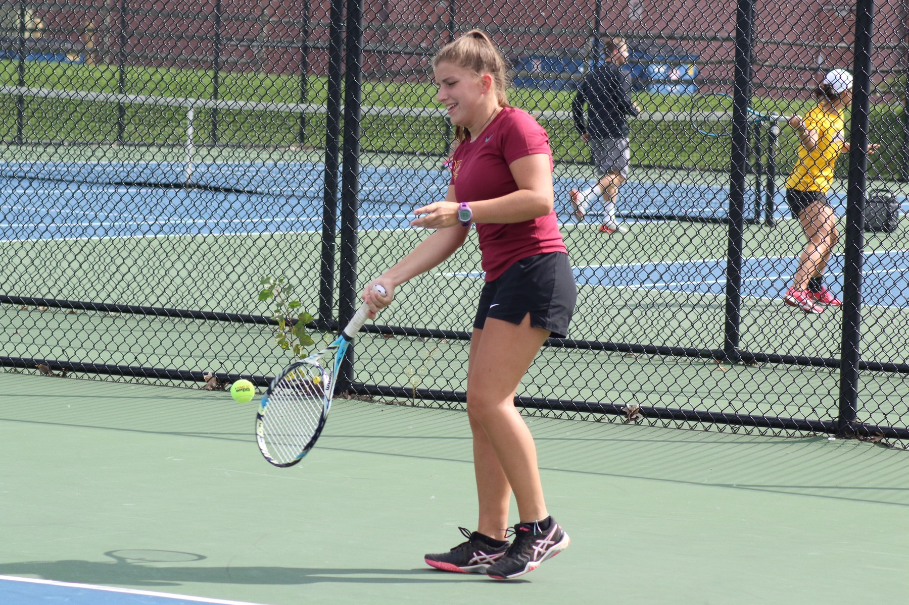 Women's Tennis Sweeps Daemen, 7-0