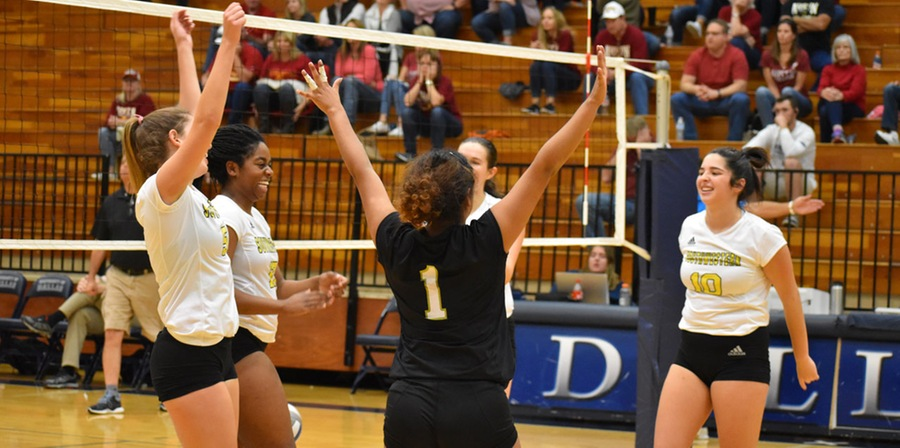 Volleyball Survives Austin College To Advance To SCAC Semifinals