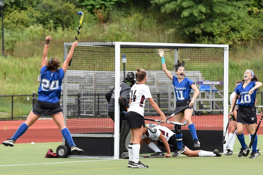 Wellesley scored four unanswered goals in the second half en route to the victory (Julia Monaco).