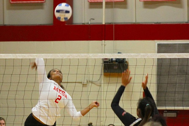 RECAP: #10 Mesa Volleyball Goes 2-2 at Scottsdale Tournament