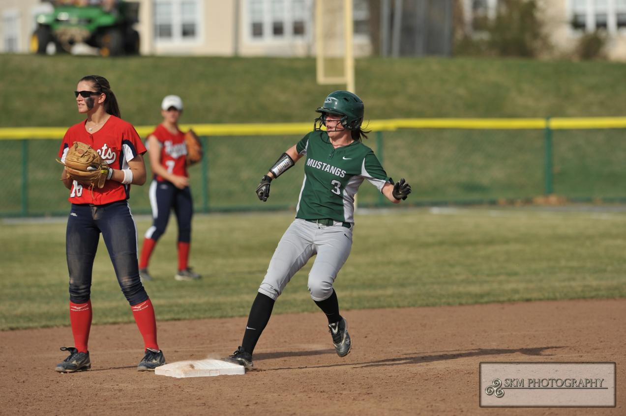 Kuczak Homers to Lead Mustangs in Commonwealth DH Split with Messiah