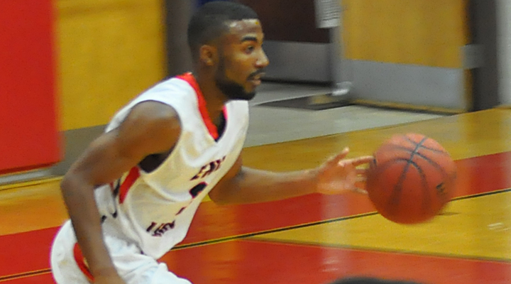 Men's Hoops Rattles Off 69-55 Win at Roger Williams