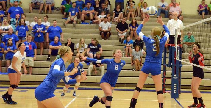 Volleyball drops a pair of matches at UW-Whitewater Triangular