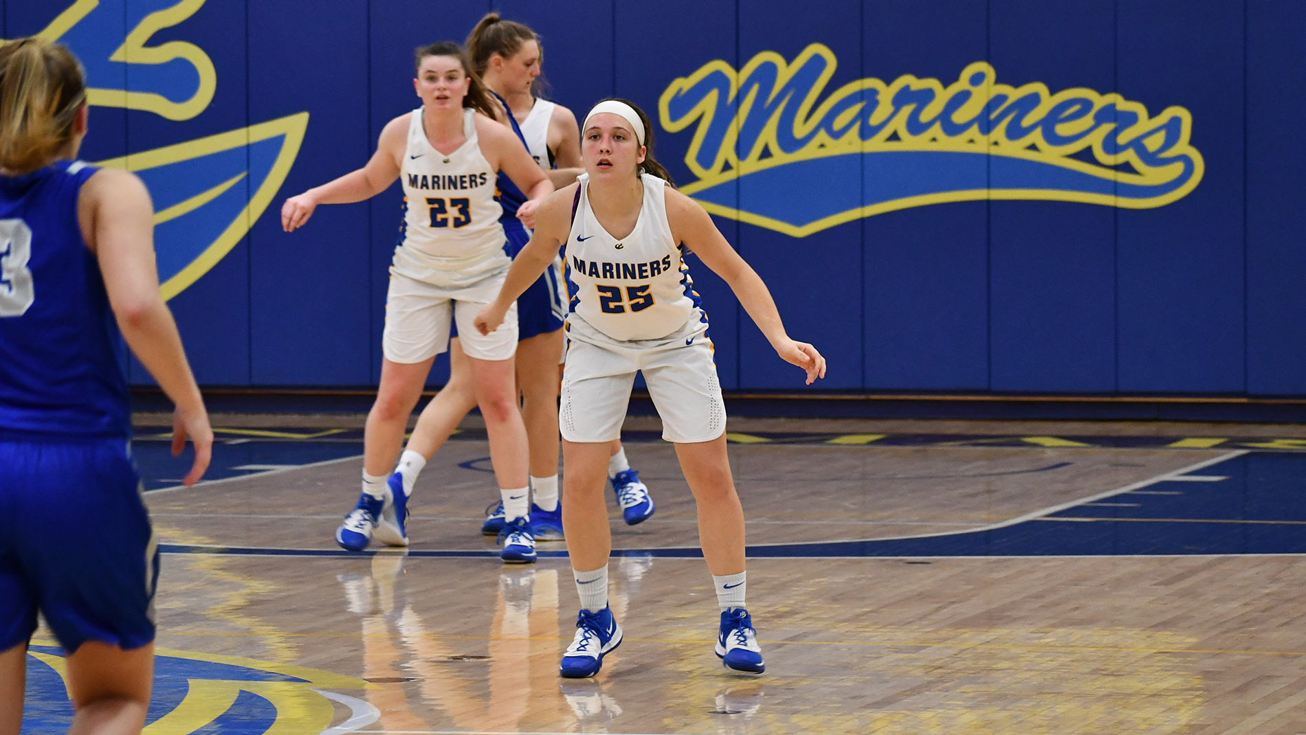 Women's Basketball Tops Badgers in NAC Opener