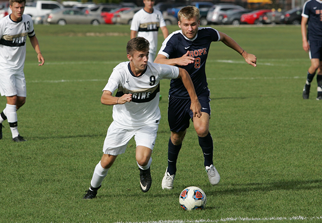 Late Goal Hands Men's Soccer Loss Against Hope