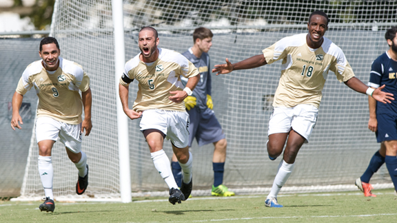 #25 UC IRVINE RALLIES TO DEFEAT MEN'S SOCCER 2-1