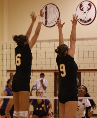 Volleyball Drops Game to Cal Lu; Rebounds at Redlands