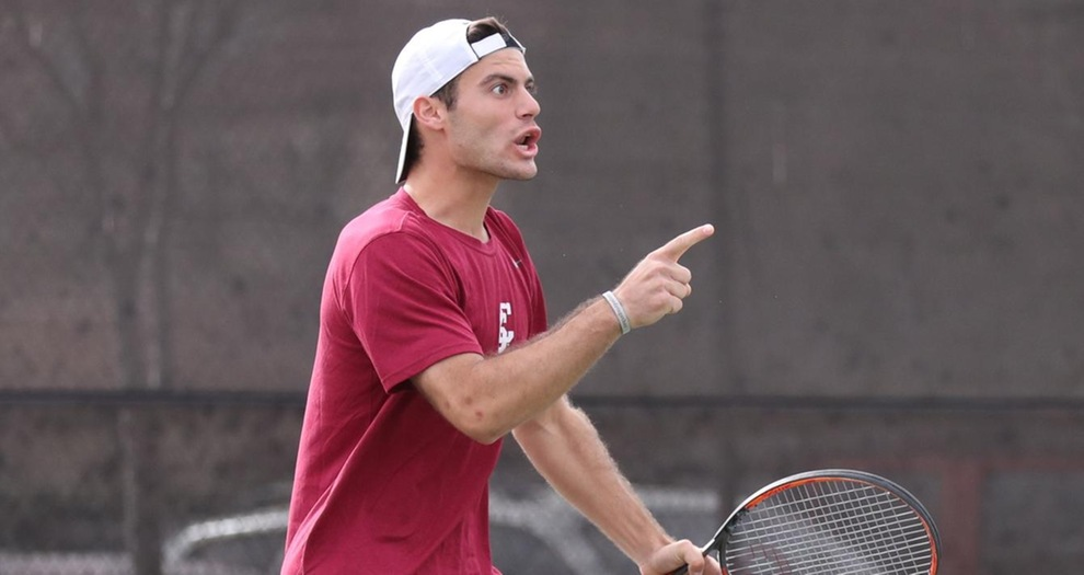 Men's Tennis Posts Convincing Win, Sweeps Saint Mary's on Sunday