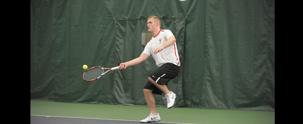 Men's Tennis Defeated at Houghton