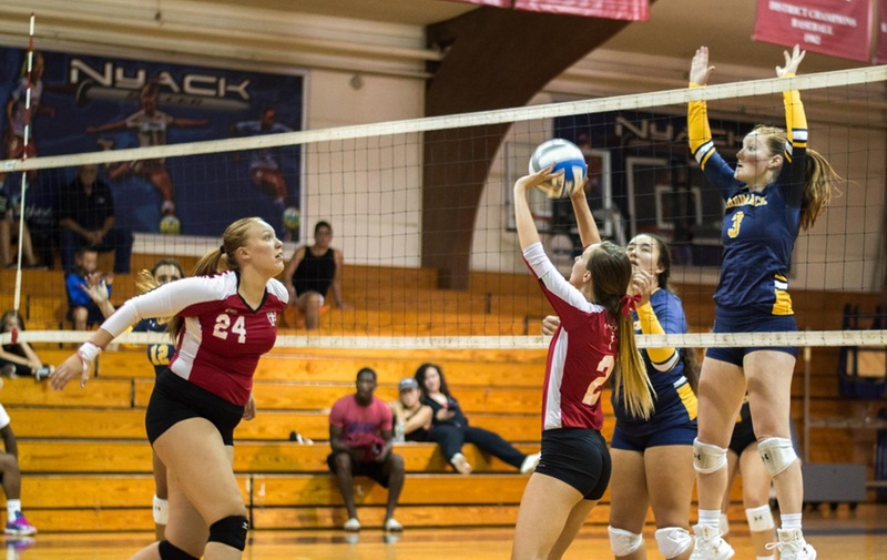 Women's Volleyball Edges Out Felician University Golden Falcons 3-2