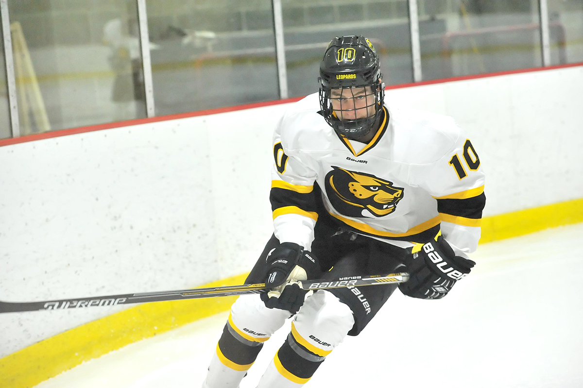 Hockey Rallies to Tie Nichols