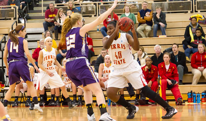 Ferris State Suffers Close High-Scoring Loss to Defending National Champion Ashland