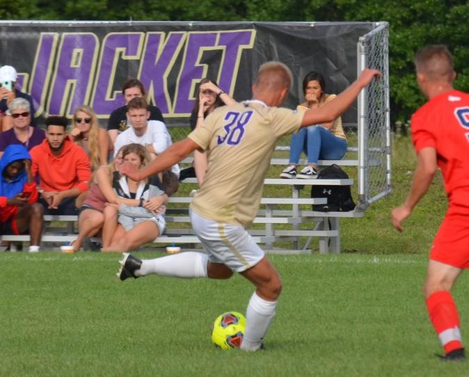 Men's Soccer Beats Thiel 2-1